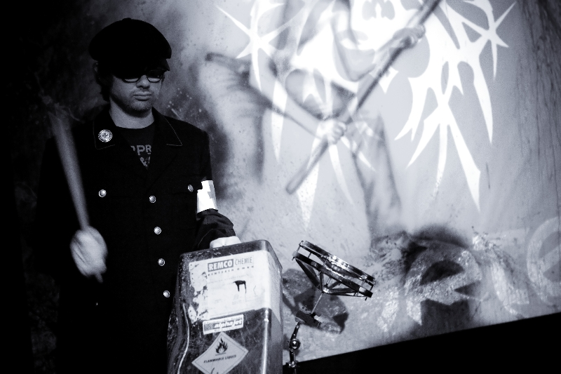 Live 2011 iv